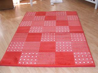 me quedan estas dos alfombras acrílicas en tonos rojos de lorena ...