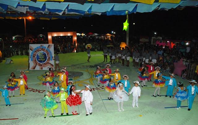 XIV Festival de Quadrilhas Cajueiro Meu Rei bate recorde de público e animação  - Imagem 16
