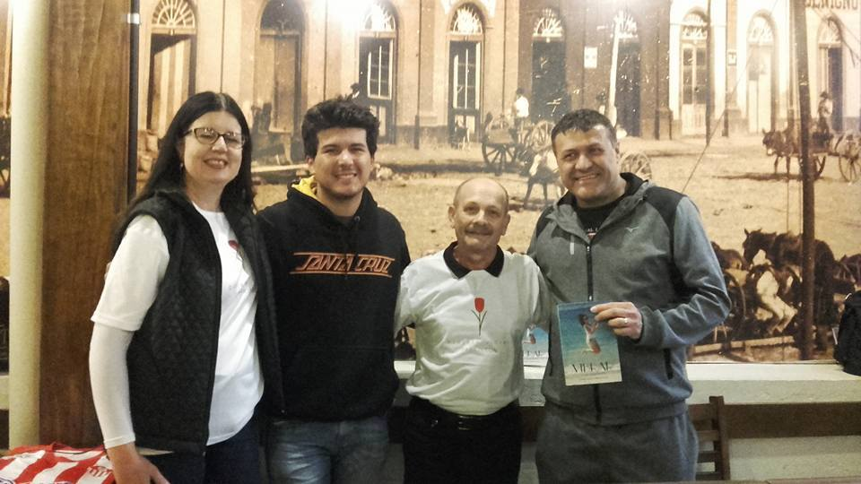 Porto Alegre - Manoel com Valdoir, Gabriel e Tatiana Mattos