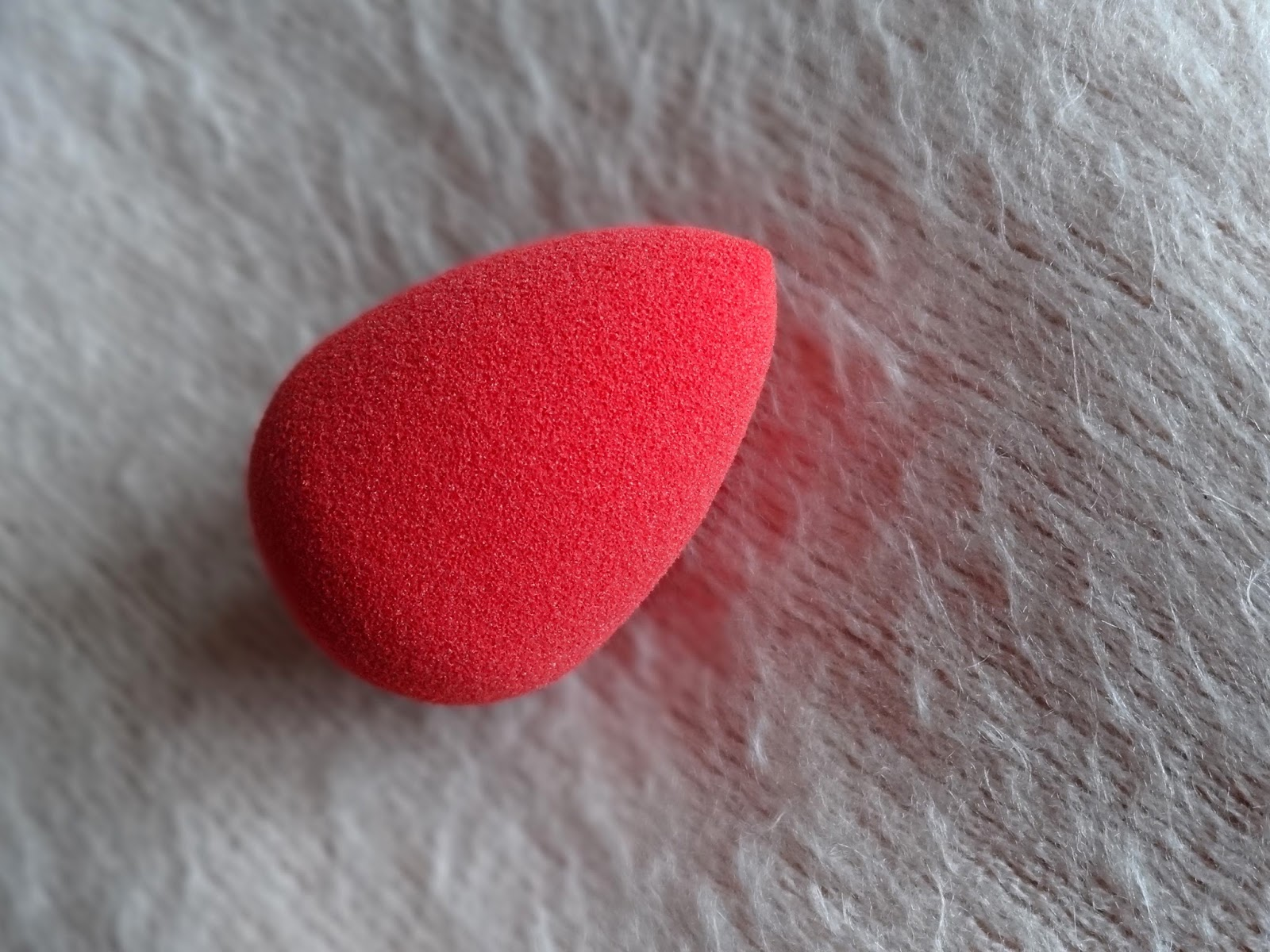 beautyblender red.carpet Makeup Sponge - Limited Edition