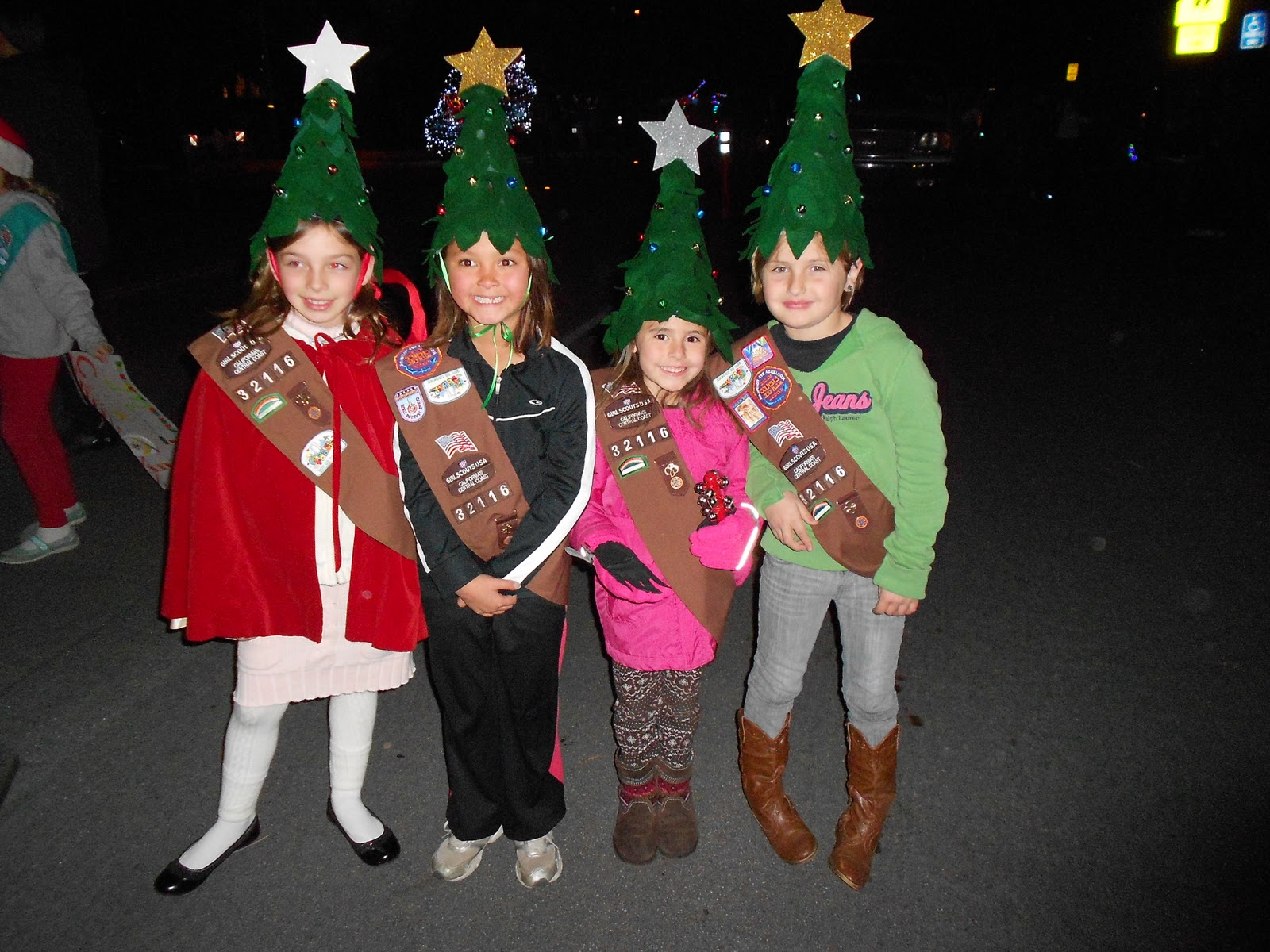 Christmas parade ideas - Tutorial Christmas Tree Elf Hat
