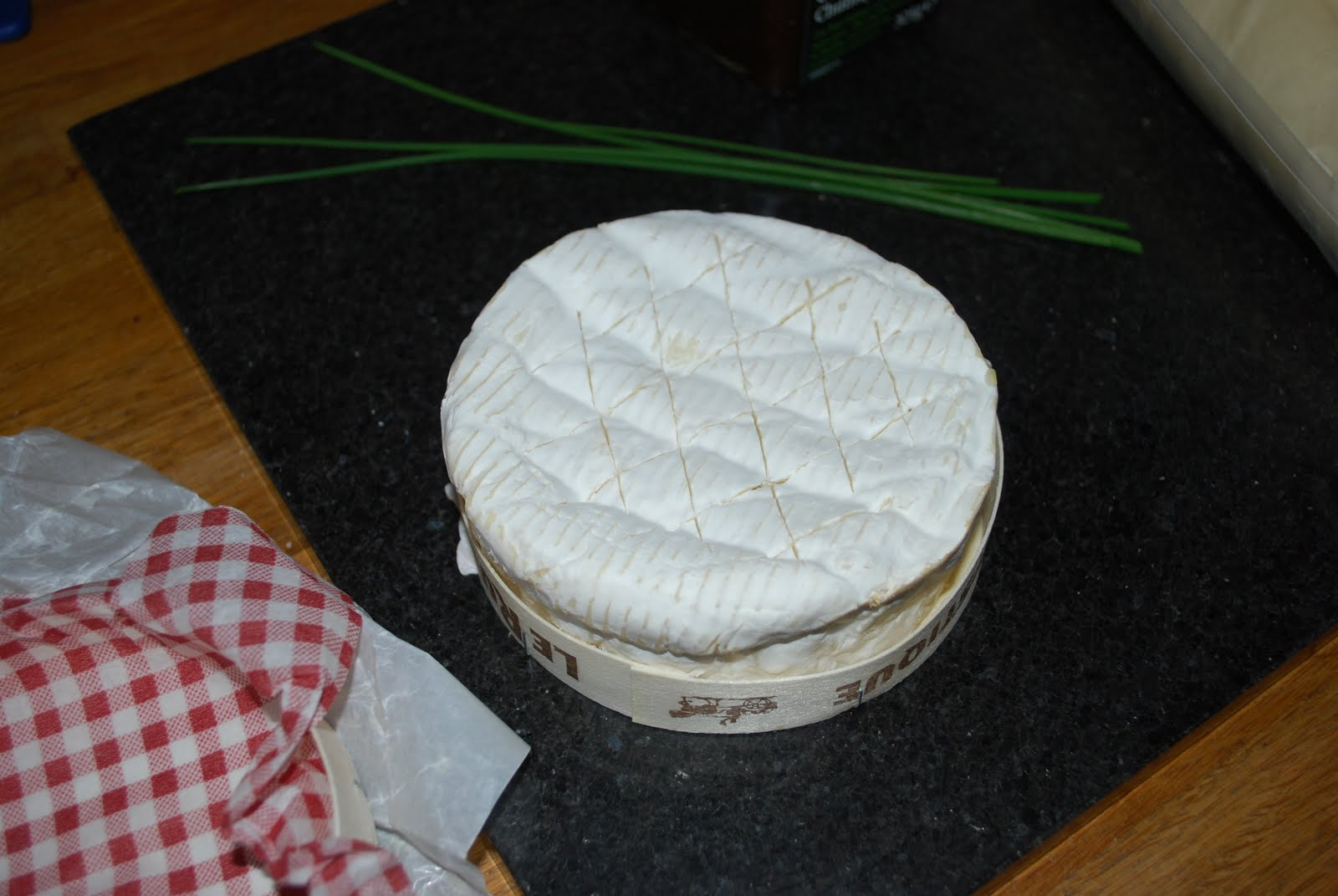 how to cook camembert cheese in microwave