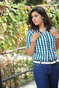 Liza reddy glam pix in jeans-thumbnail-14