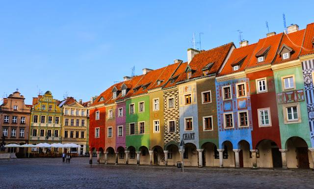 Casas coloridas, em Poznan.