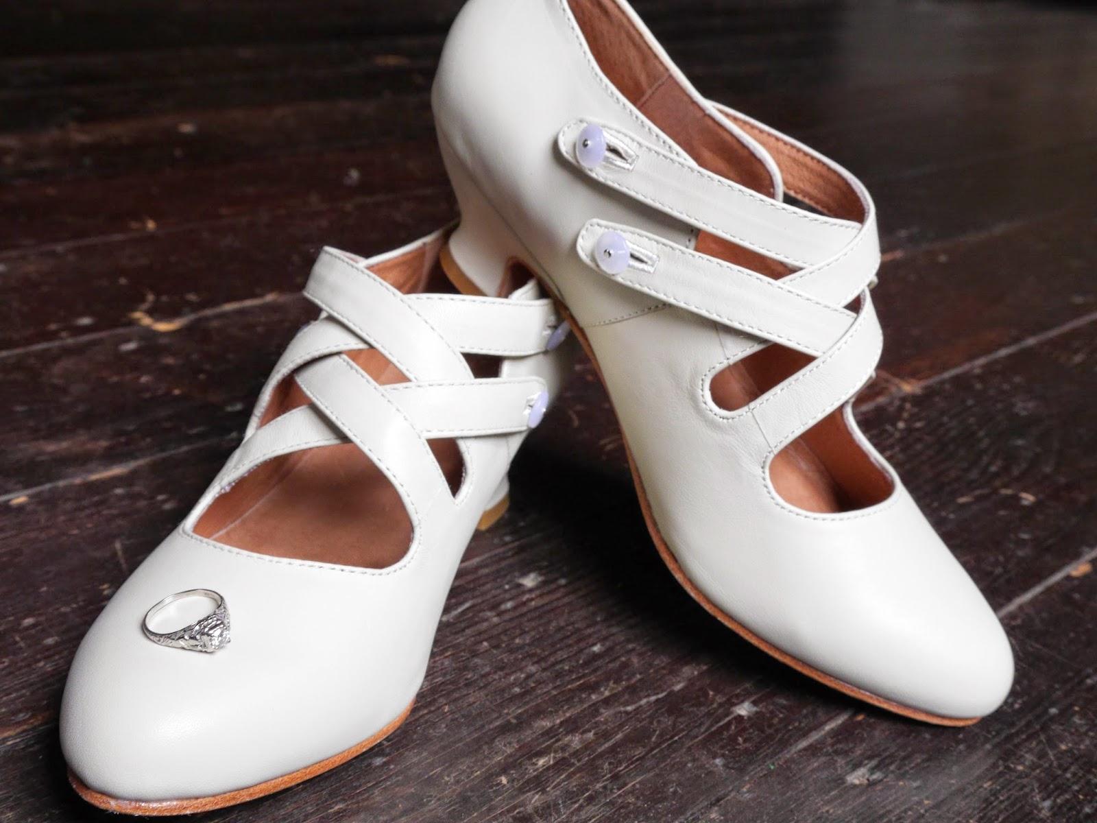 http://www.american-duchess.com/edwardian-victorian-shoes-boots/astoria-womens-edwardian-shoe
