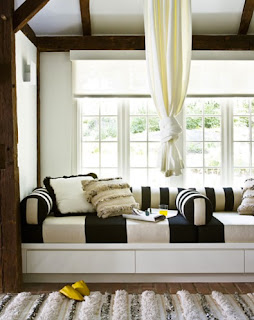 windowseat 7