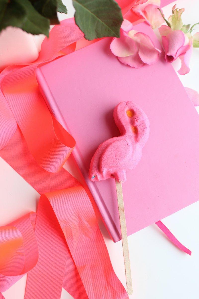 Lush Pink Flamingo Reuseable Bubble Bar Review