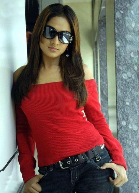 sheela+hot+photos+in+jeans