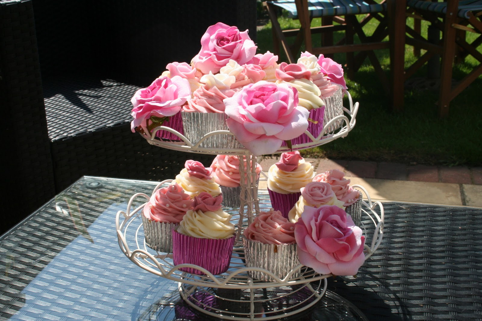 Mothers day cupcake decorating ideas displaying 15 images for mothers