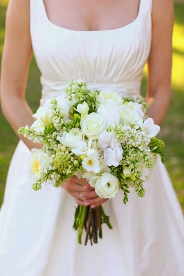 white and green flowers bouquet http