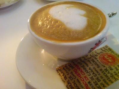 Mc Nzie Cafe