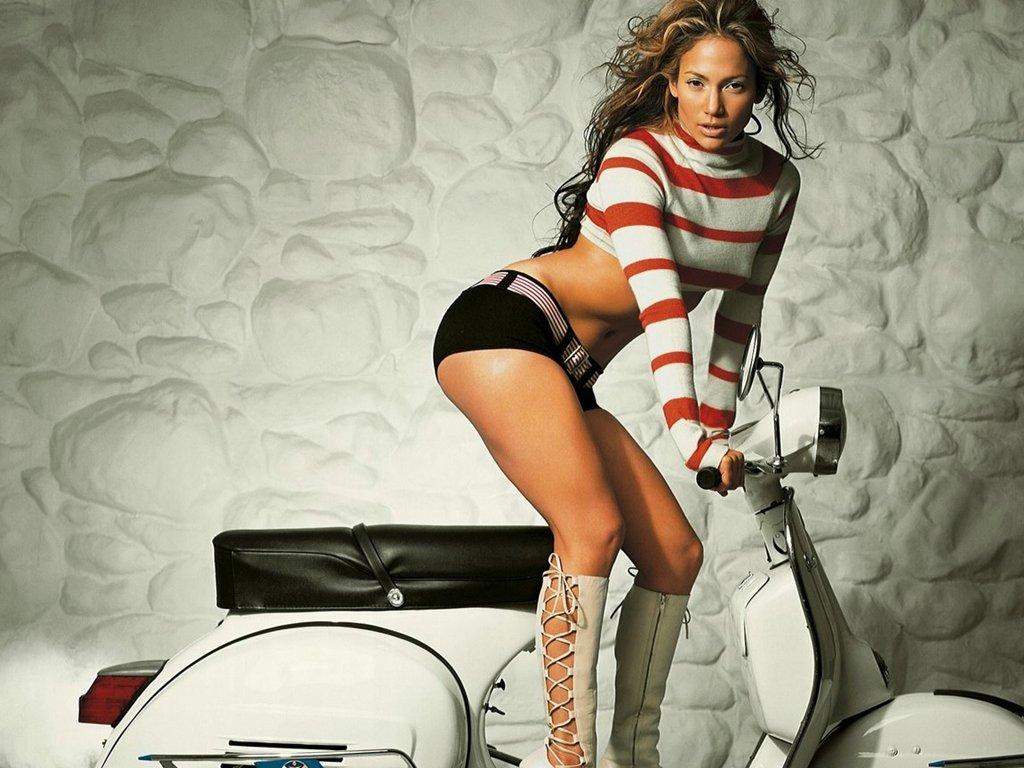 http://4.bp.blogspot.com/-BkZON9TBVsE/T_-opiCEauI/AAAAAAAAHv8/7IcE-UVXqI0/s1600/female-celebrities-jenifer-lopez-9841-backgrounds-wallpapers+(4).jpg