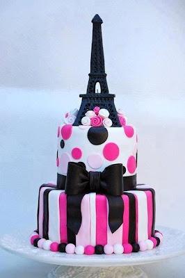 Tarta con la Torre Eiffel