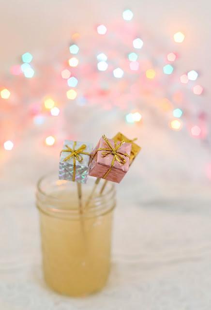 como decorar las bebidas en navidad