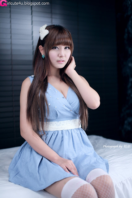 Ryu-Ji-Hye-Blue-and-White-Dress-05-very cute asian girl-girlcute4u.blogspot.com