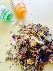 Tisana piante medicinali secche e tubi granuli con 5 granuli