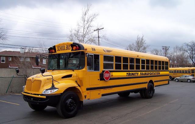 foto Bus Sekolah Milik Trinity Transportation