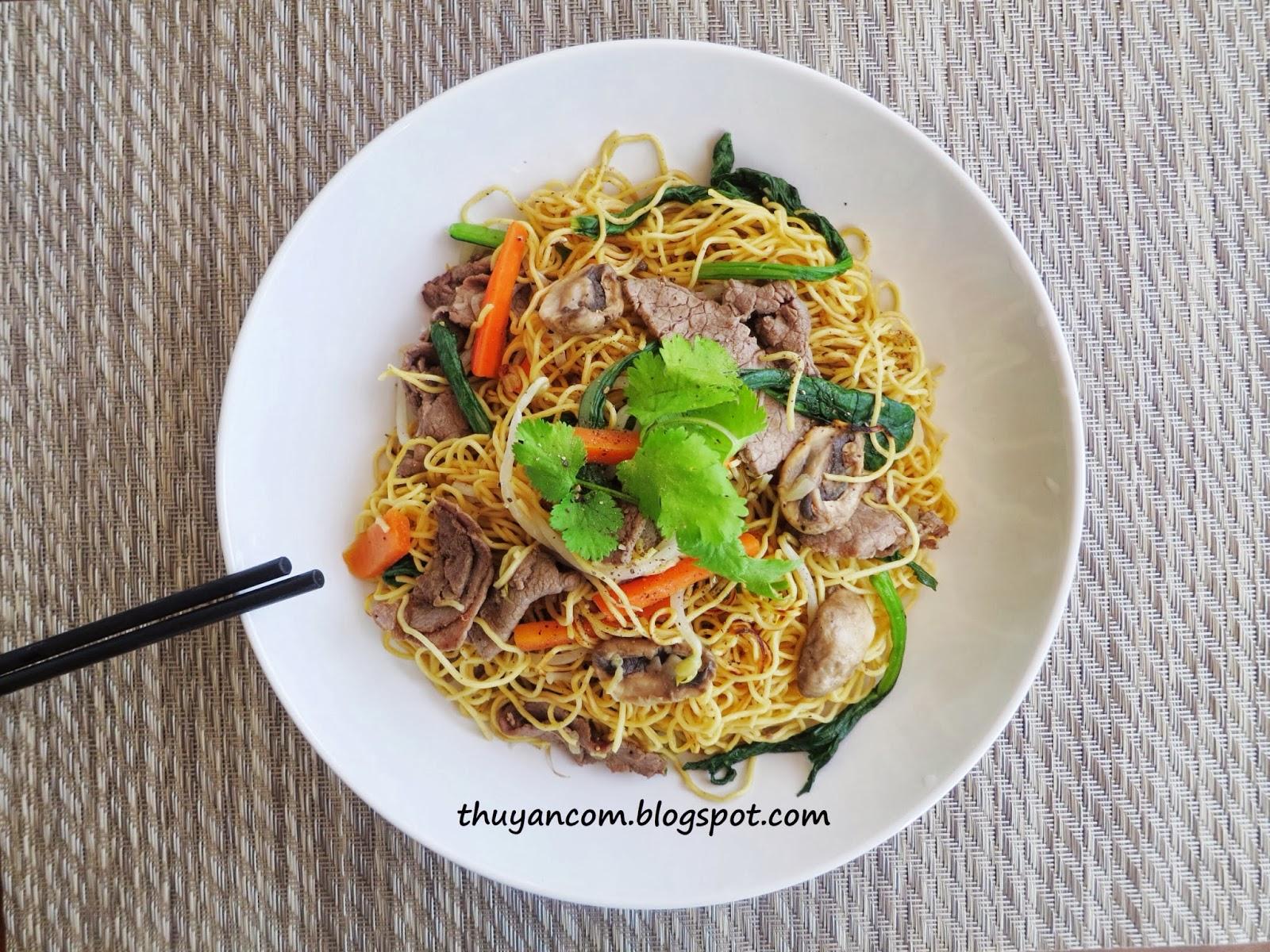 Blog of salt mi xao bo stir fried egg noodle with beef mi xao bo stir fried egg noodle with beef forumfinder Gallery