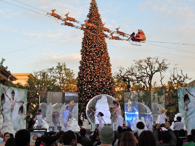 Mac Glitter and Ice skaters The Grove 2011