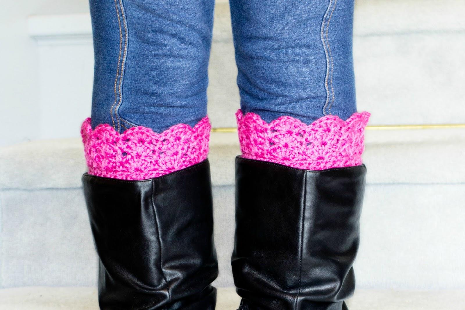 http://4.bp.blogspot.com/-Bm41_lY9C7s/Uuep1Oxy74I/AAAAAAAAGhA/m51hC7m4FM8/s1600/Vintage+Inspired+Boot+Cuffs+Crochet+Pattern+4.jpg