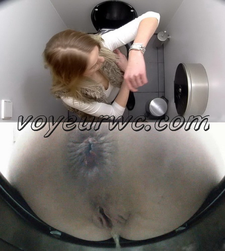 Toilet Czech 18 (Real Hidden WC Camera)