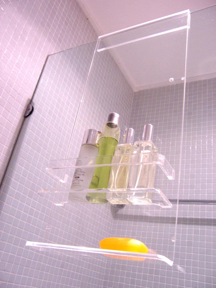 Hopscotch: Shower caddies by Daya Design