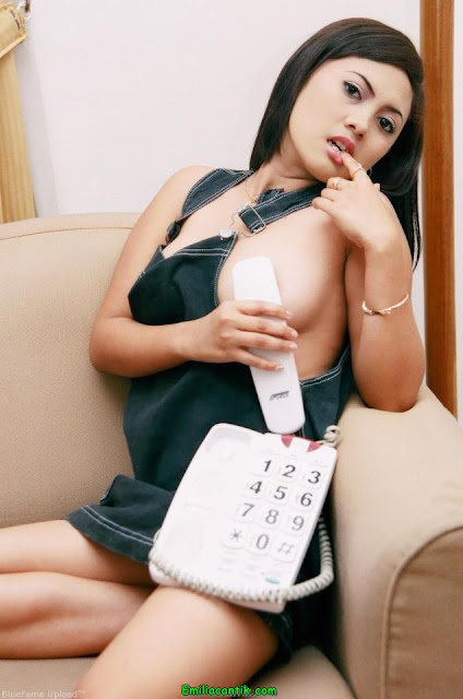Foto Model Panas Indonesia Cantik Montok yang Melegenda
