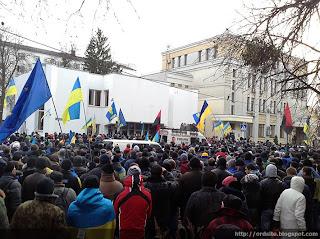 МВД пикетируют 15 тысяч человек