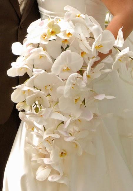 Cascading Ehite Wedding Flower Fresh Flowers