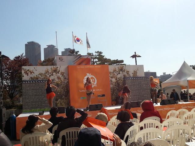 Persimmon Festival dance