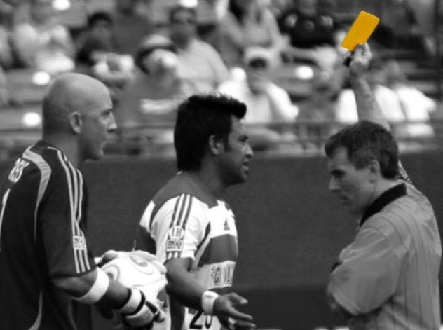 Bola Sepak: Sejarah Kad Kuning dan Kad Merah