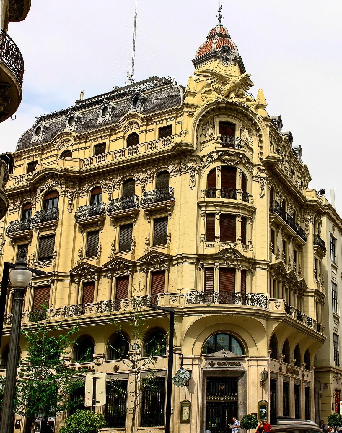Edificios del siglo xx - Caja granada en madrid ...
