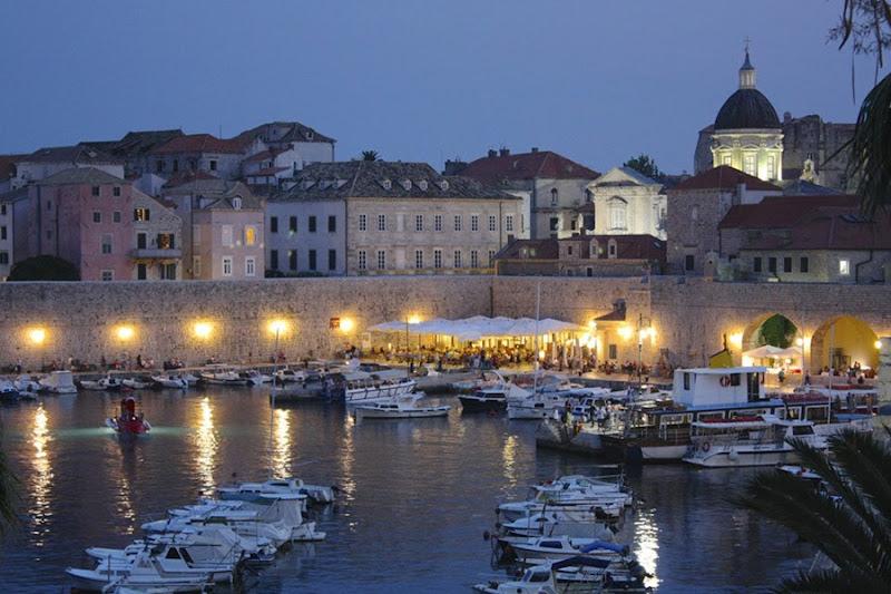 Dubrovnik nocturno