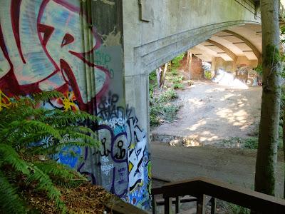 Schmitz Park Bridge – Graffiti