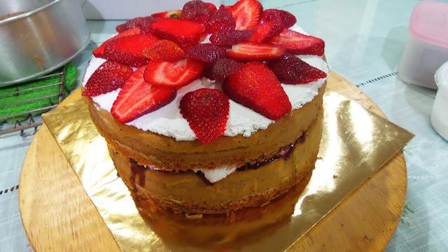 Menerima tempahan Victoria Sandwich Cake di Ipoh Perak