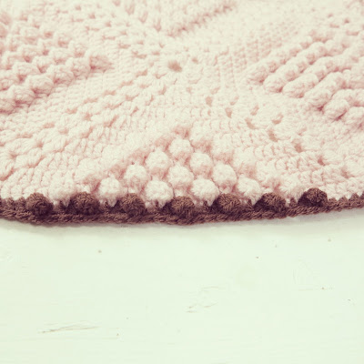 ByHaafner, crochet, popcorn, bobble stitch throw, blanket, powder pink, pattern