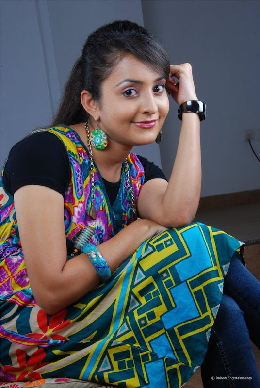 Malayalam Actress Bhama Latest Cute Stills Images Gallery cleavage