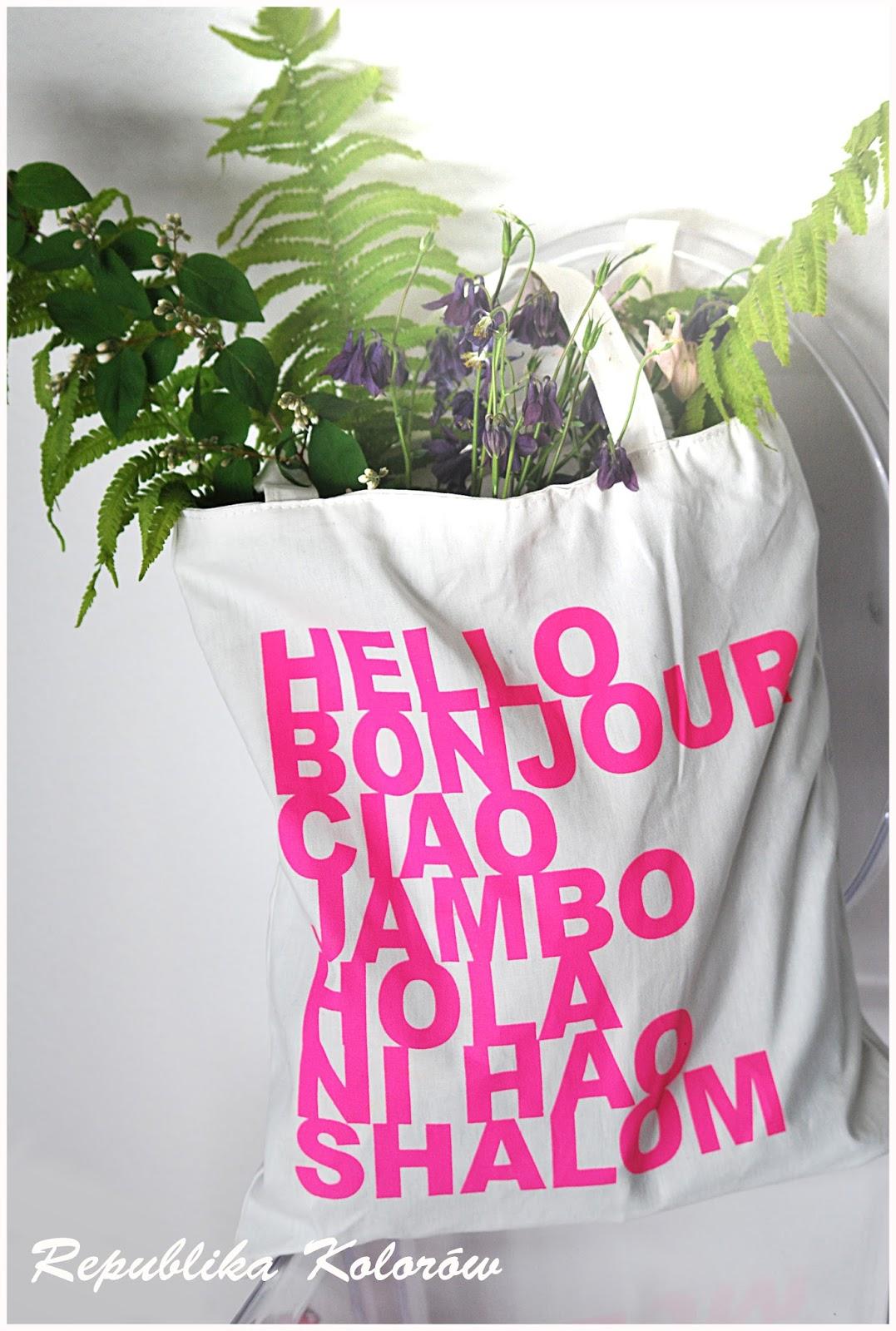 kwiaty w torbie