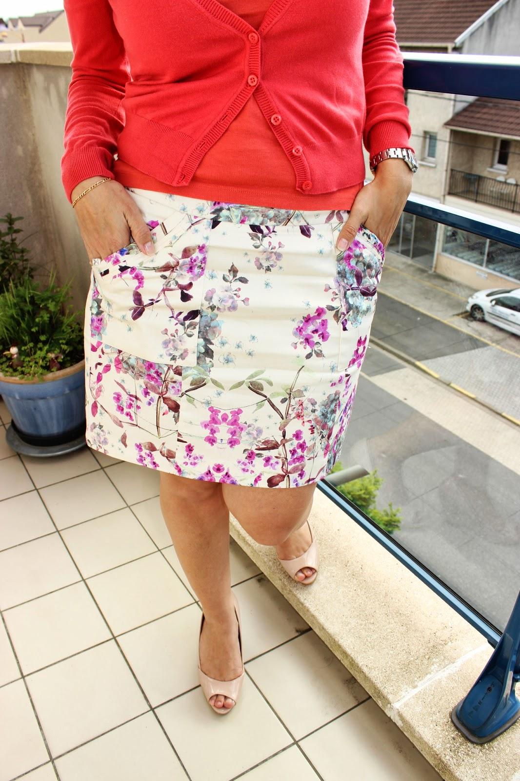 Mini jupe fleurie naf naf et corail