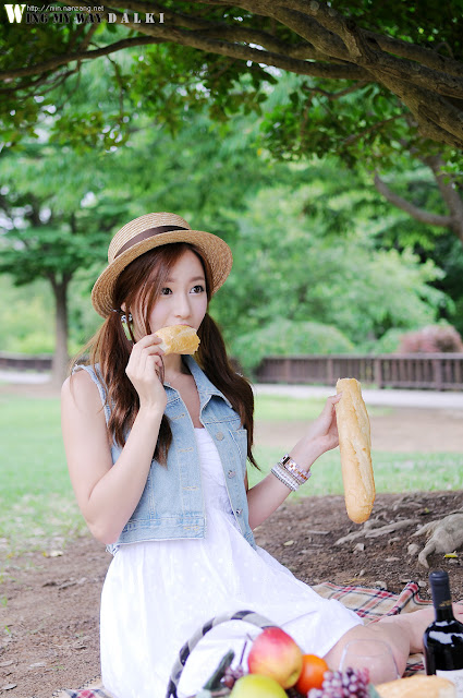 5 Picnic with Han Ji Eun-Very cute asian girl - girlcute4u.blogspot.com