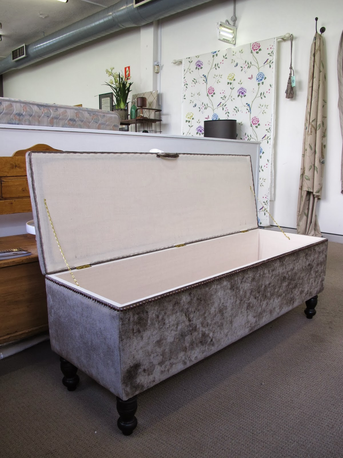 Coordinate your end of bed storage box to match your upholstered bedhead, made to order you can have your box any size, shape and in any fabric, with or without buttons, piping or studs.