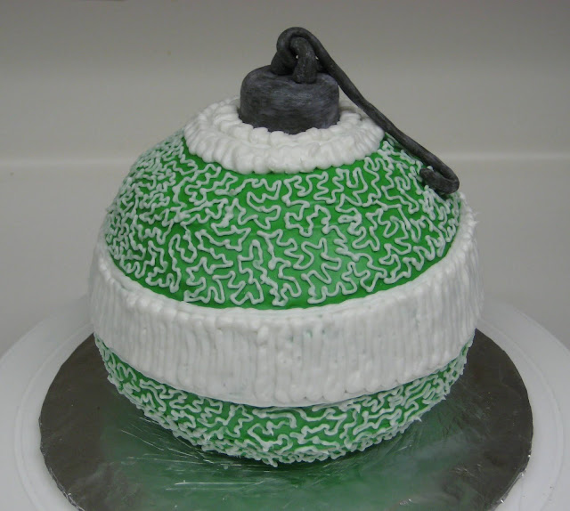 Christmas Ornament Cake 3