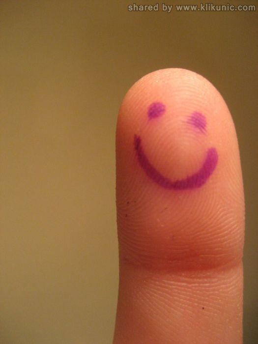 http://4.bp.blogspot.com/-BoCTqErpXw4/TX2yLJHcE8I/AAAAAAAARWo/f4TEEBfPVe4/s1600/finger_28.jpg