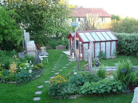 Trädgården 2011 (på baksidan av huset
