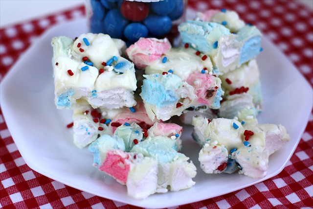 PATRIOTIC MARSHMALLOW BARK: Butter with a Side of Bread