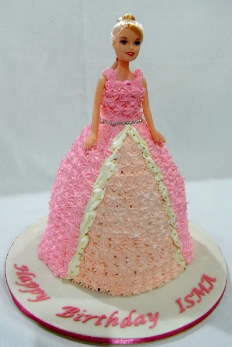 Images Of A Barbie Cake : Bearylicious Cakes: Barbie Cake