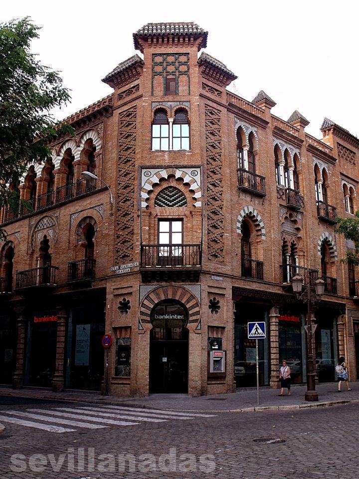 arquitectura neomud jar en la campana