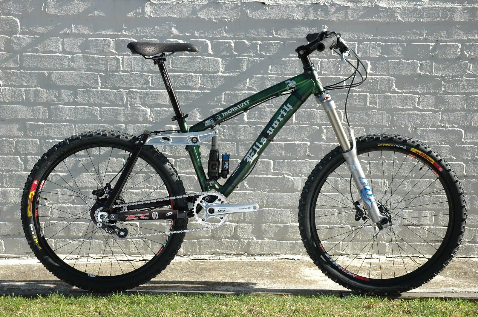 The Monkey Lab: Rohloff-Equipped Ellsworth Moment Trail Bike