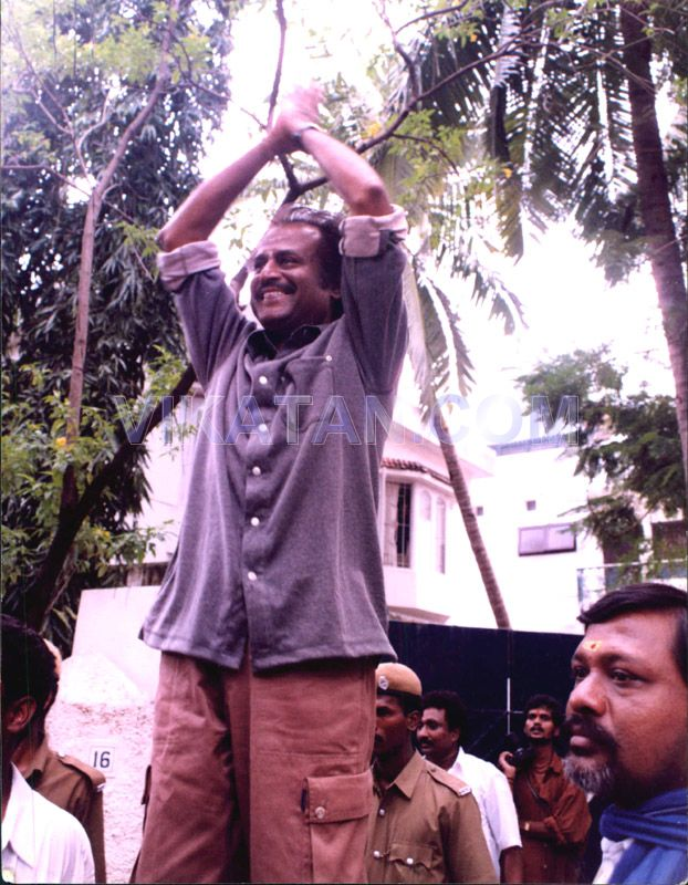 Super Star Rajinikanth's Rare Unseen Pictures 9