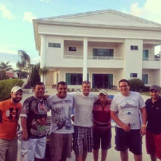 Itabuna: Amigos visitam Dr.Rodrigo Moreira em sua residencia